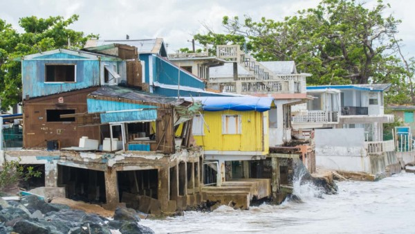 Image of houses in Puerto Rico.