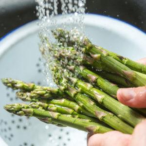 washed asparagus