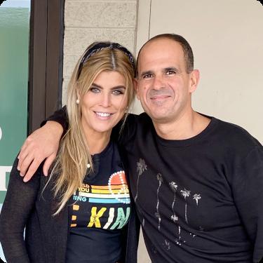 Ana Quincoces y Marcus Lemonis